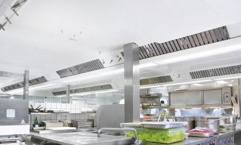 ventilacija-kuhinje-profesionalni-ventilacijski-strop-Suedluft-2