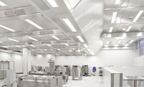 ventilacija-kuhinje-profesionalni-ventilacijski-strop-Suedluft-3